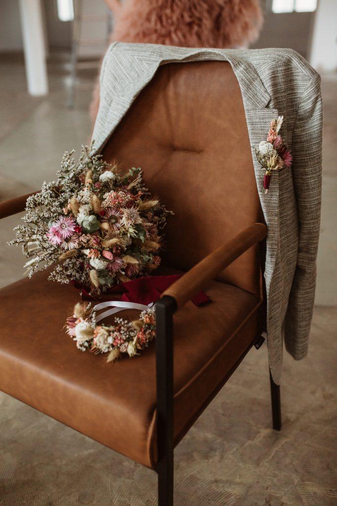 Brautstrauß Blumenkranz Blumenanstecker Trockenblumen