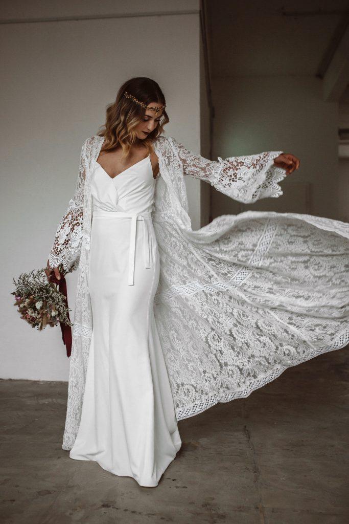 Besonderes Brautkleid, Brautstrauß Trockenblumen