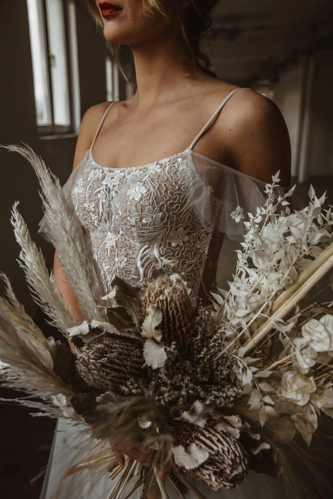 Braut Detail Trockenblumen Strauß