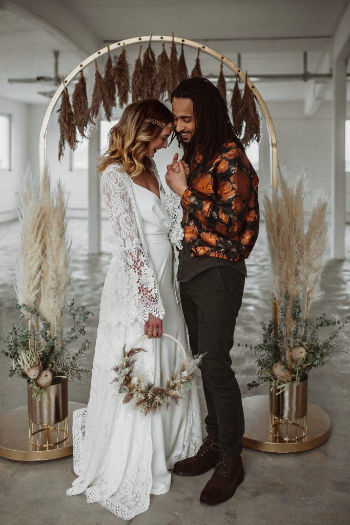 Braut und Bräutigam Boho Couple