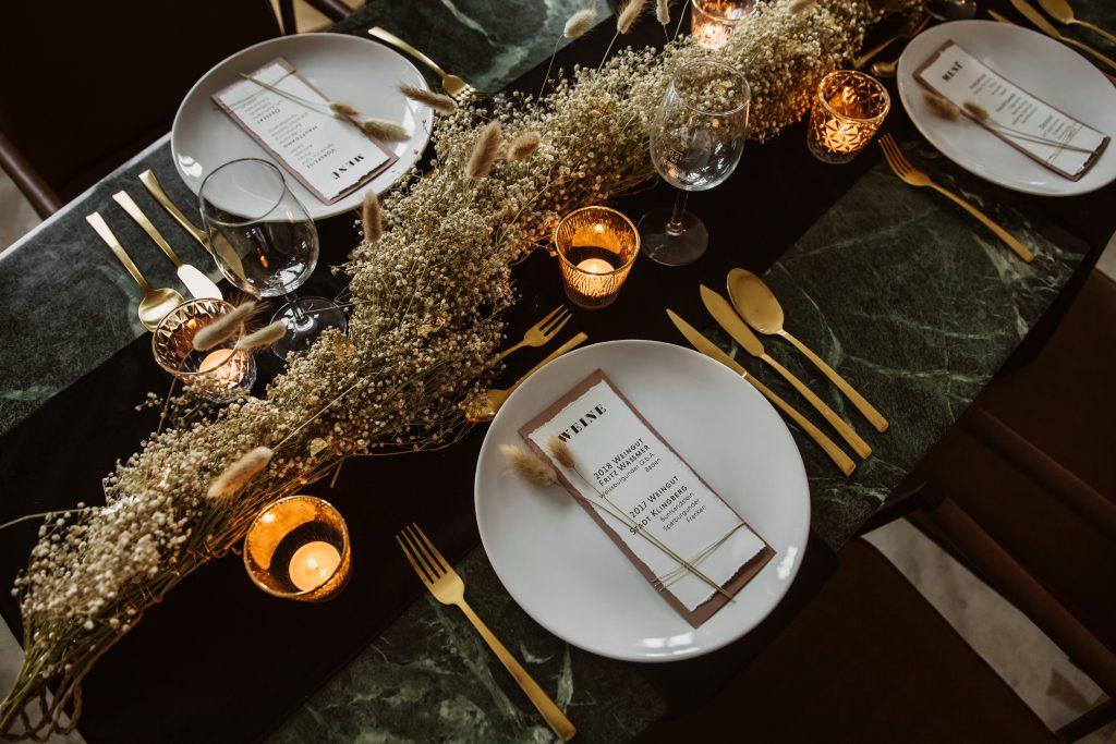 Tischdekoration Einladungskarte Menükarte Trockenblumen
