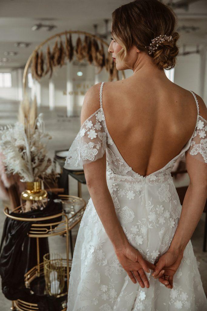 Brautkleid Rückenausschnitt Hochzeitsfeier